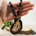 Чёрный агат: магические и лечебные свойства камня