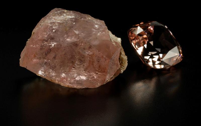 камень морганит