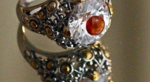 перстень с цирконом