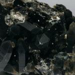 Камень раухтопаз