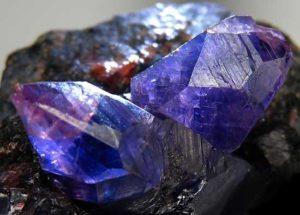 камни сапфир