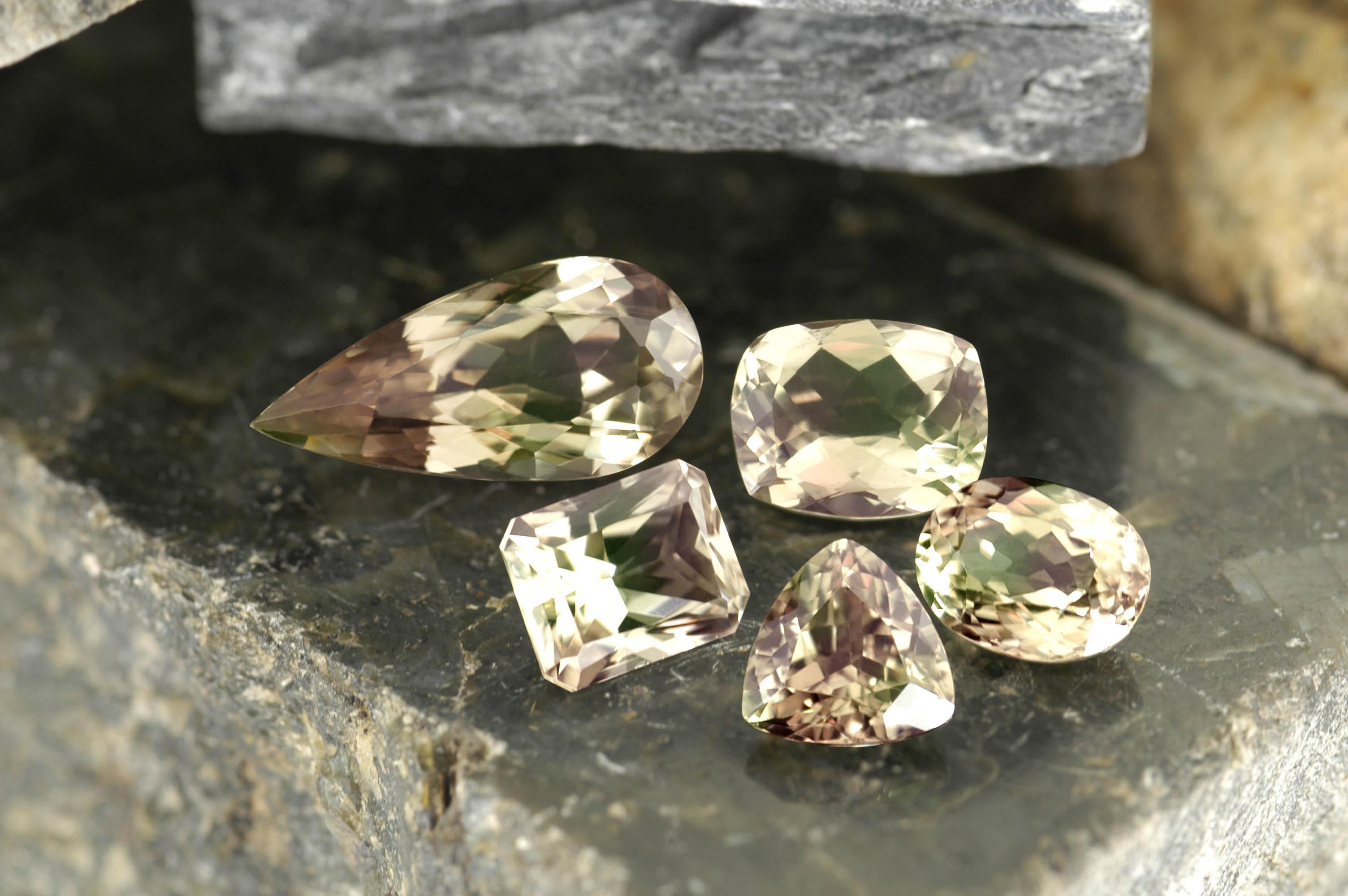 Султанит камень - как отличить подделку