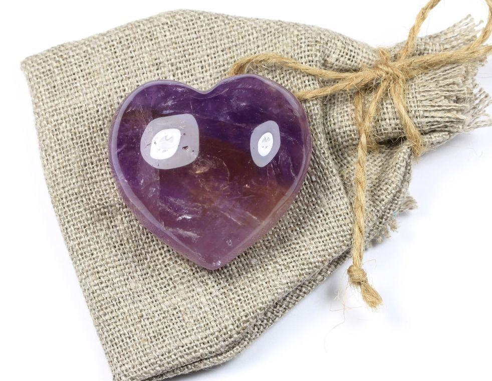 аметист в форме сердца