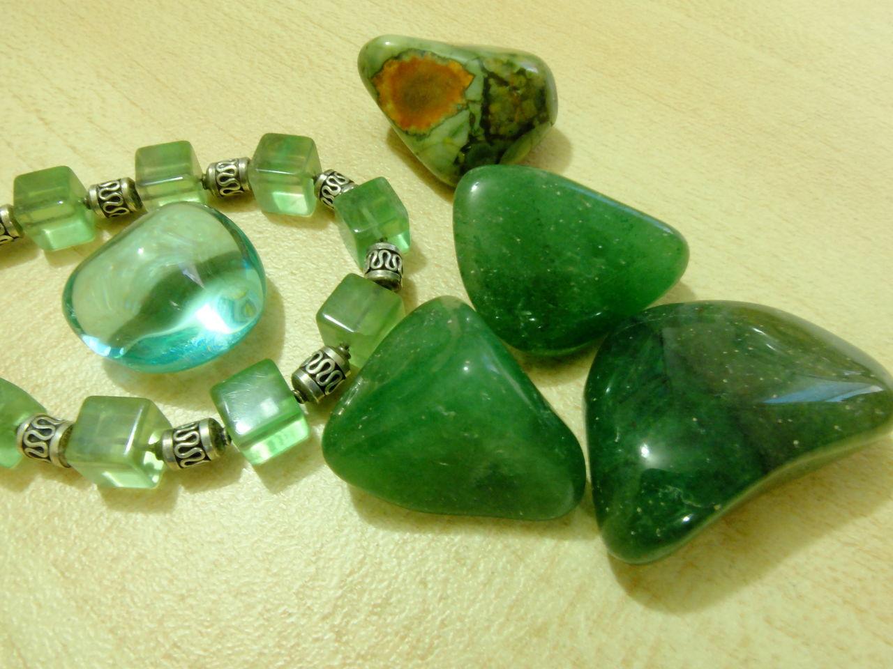 Камень жадеит - источник омоложения, свойства, кому подходит