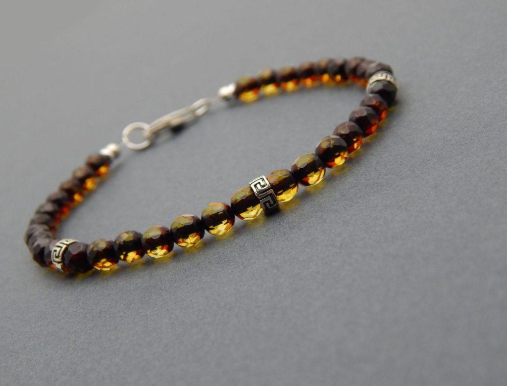 мужской браслет из янтаря