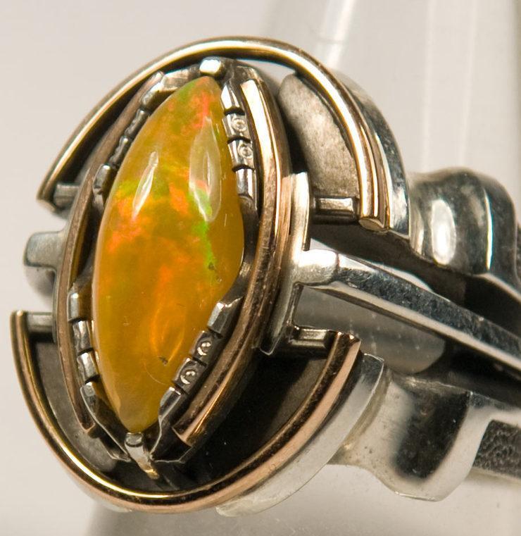 мужской перстень с опалом