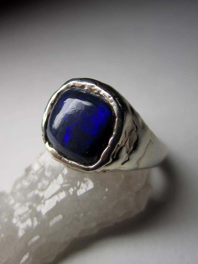 мужское кольцо с черным опалом