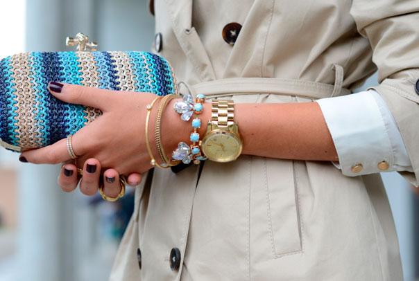Как носить часы женщинам?