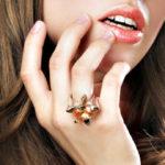 Значение колец на пальцах у женщин