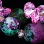 Камень цоизит: значение, свойства, фото
