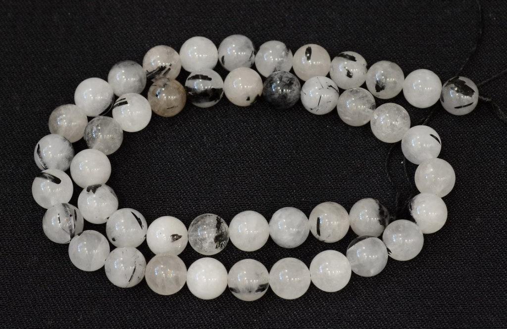 Камень шерл: свойства, виды, фото