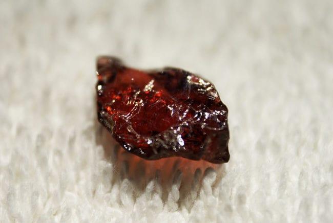 Камень карбункул