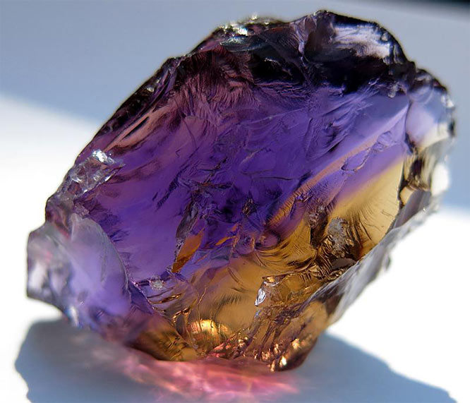 Камень аметрин