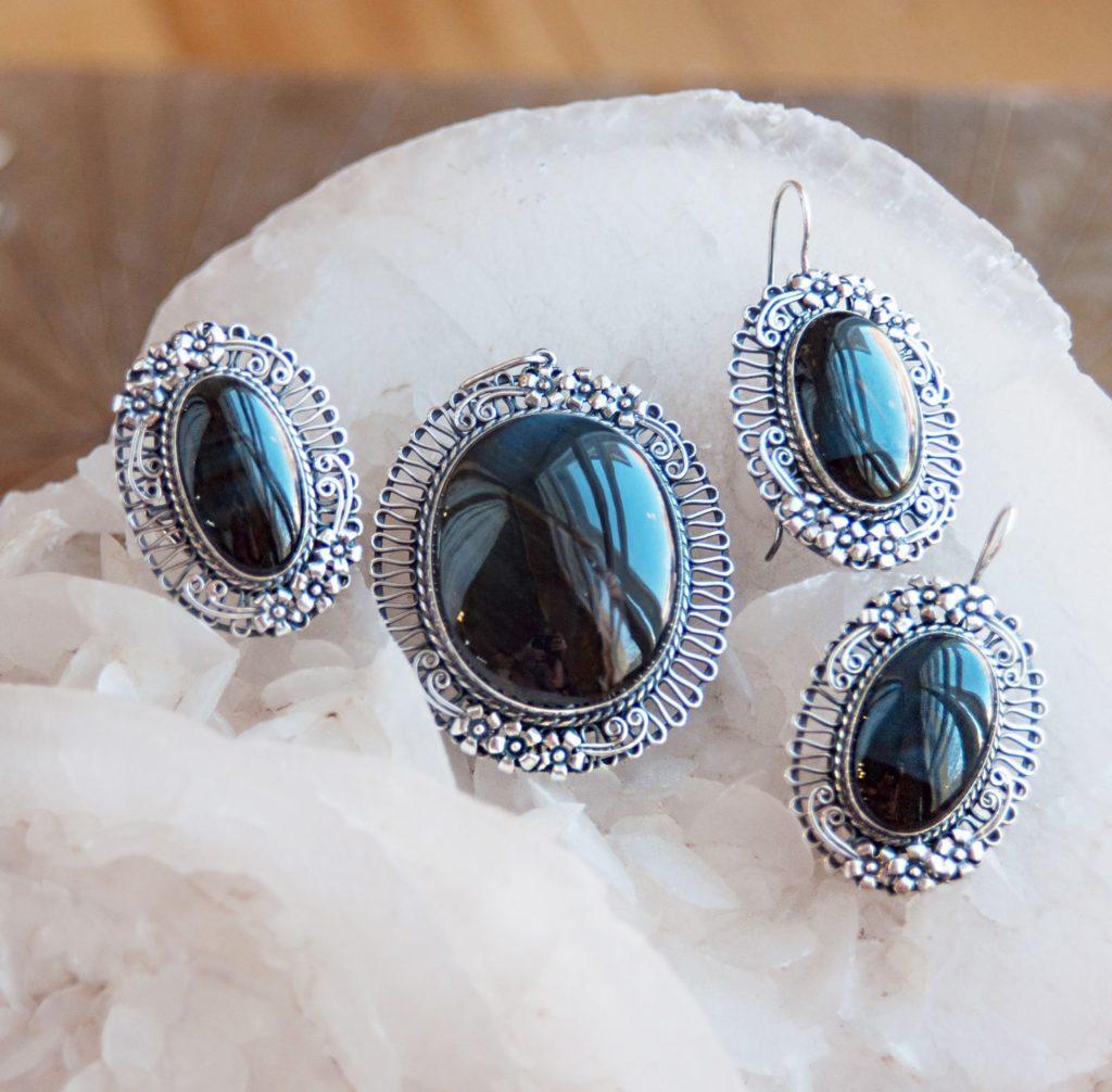 Загадочный камень - Соколиный глаз