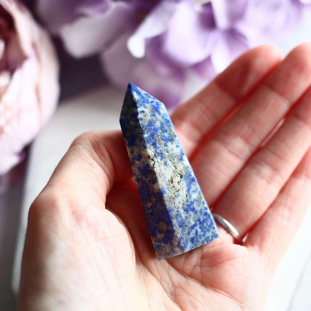 Лазуритовый кристалл