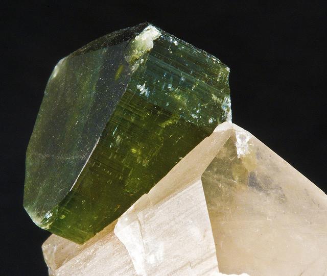 Камень Верделит