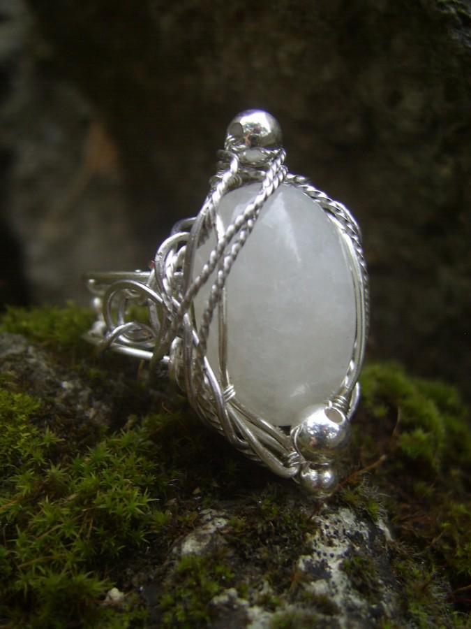 Лунный камень: магические свойства, фото, цена, кольца, серьги, кому  подходит по знаку зодиака?